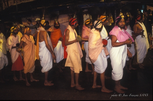 procession musiciens